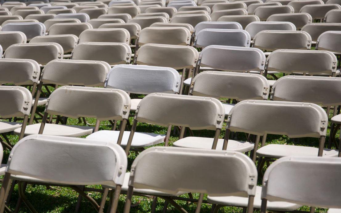 des chaises pliantes